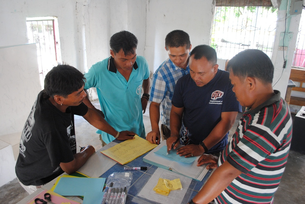 Rare works with local community members in Inabanga, Philippines to define a marine management strategy that benefits the community and marine life.