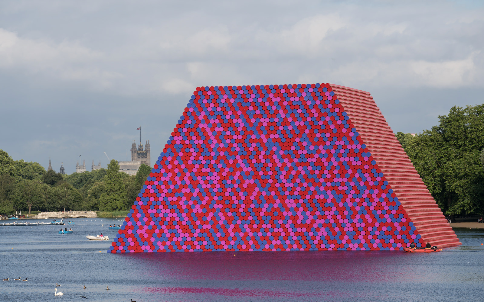 The London Mastaba, Serpentine Lake, Hyde Park
